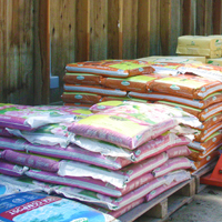 Bulk & Bags Lakeland Plant World